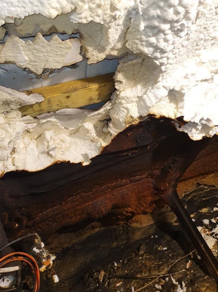 пенополиуретан на Мансарде после пожара
